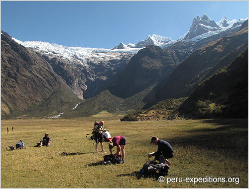 Peru: Trekking Cedros around the Nevados Alpamayo & Huascaran and Climbing Nevado Vallunaraju (5686 m)